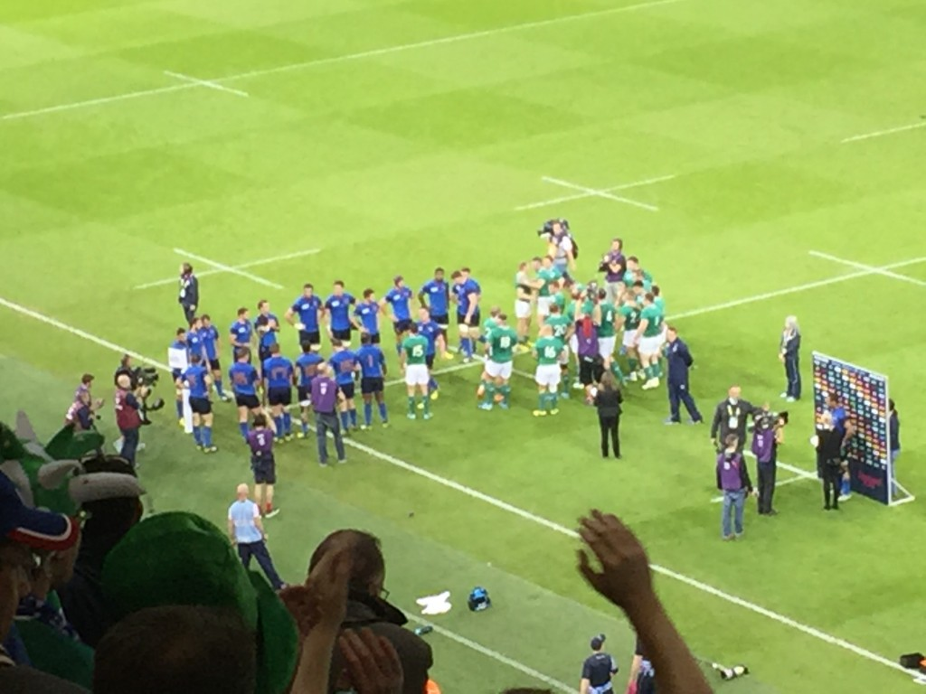 French team form the tunnel and applaud Irish team off the pitch RWC2015